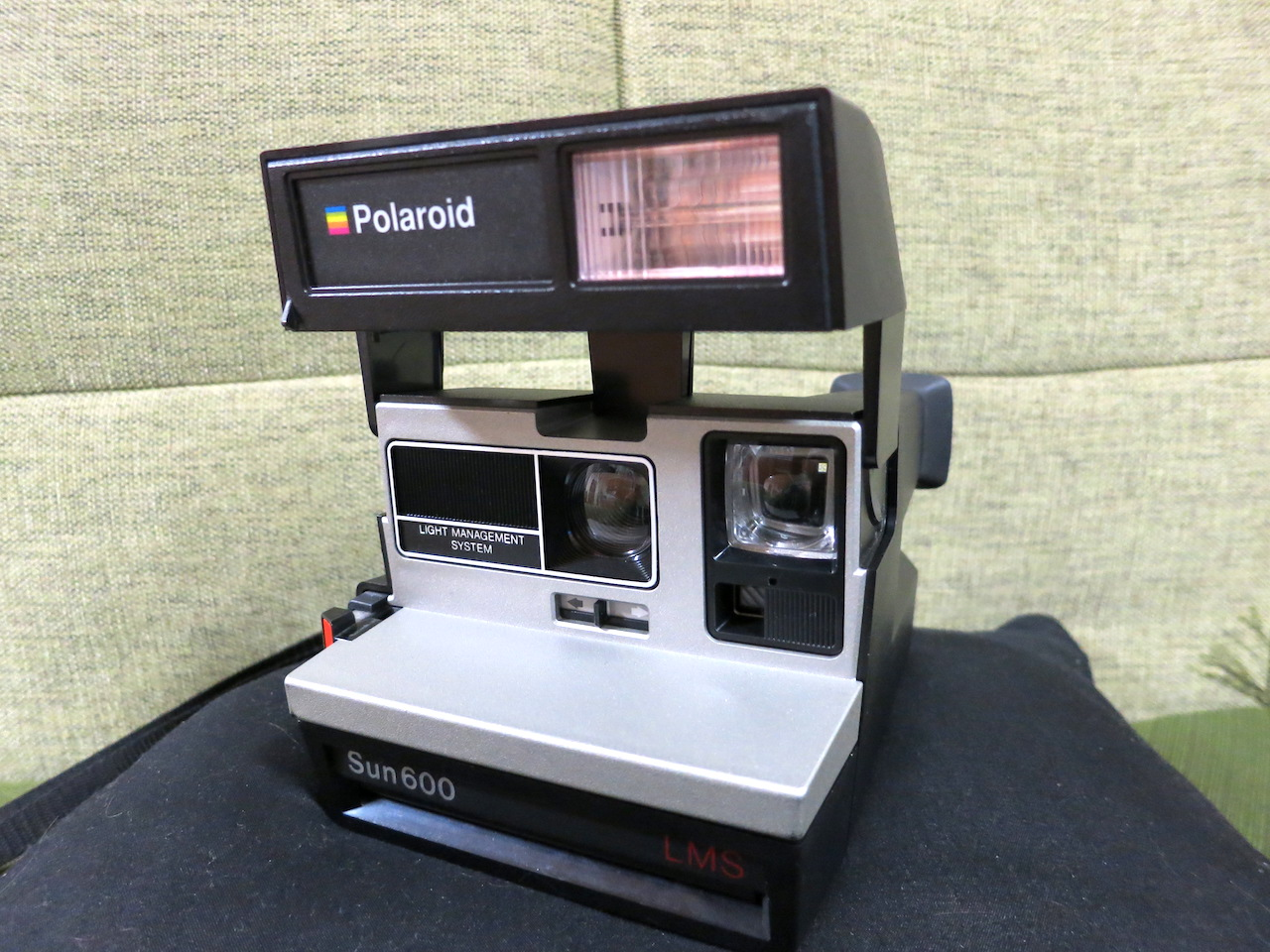 Polaroid Sun 600 vs Instax mini 8
