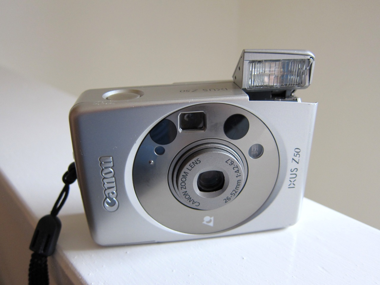 Canon Ixus Z50 (ELPH LT260, IXY 220)APS