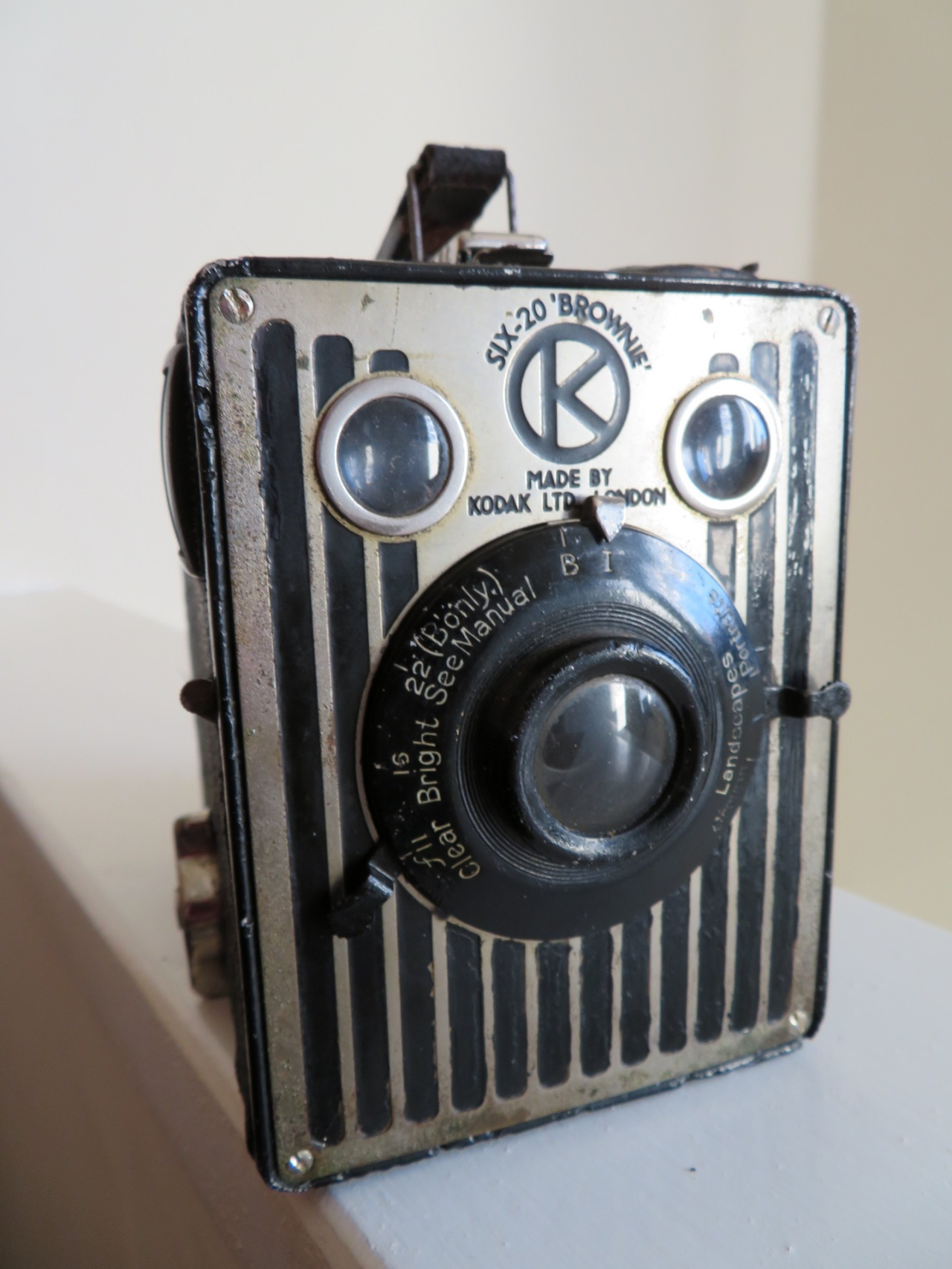 Kodak Brownie Six-20 (UK Model)