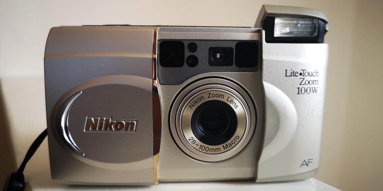 Nikon Lite Touch Zoom100W