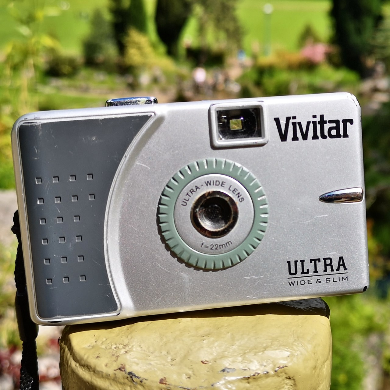 Vivitar UWS (Ultra Wide &Slim)