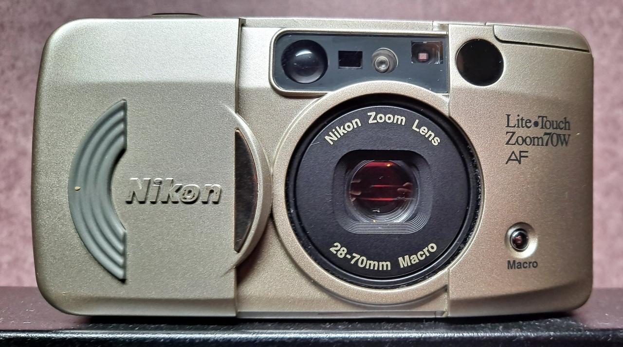 Nikon Lite Touch Zoom 70WAF